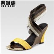 供应供应特价真皮女鞋 露趾坡跟鞋 凉鞋 休闲女鞋