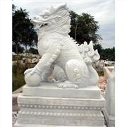 供应厂家专业雕刻石雕狮子